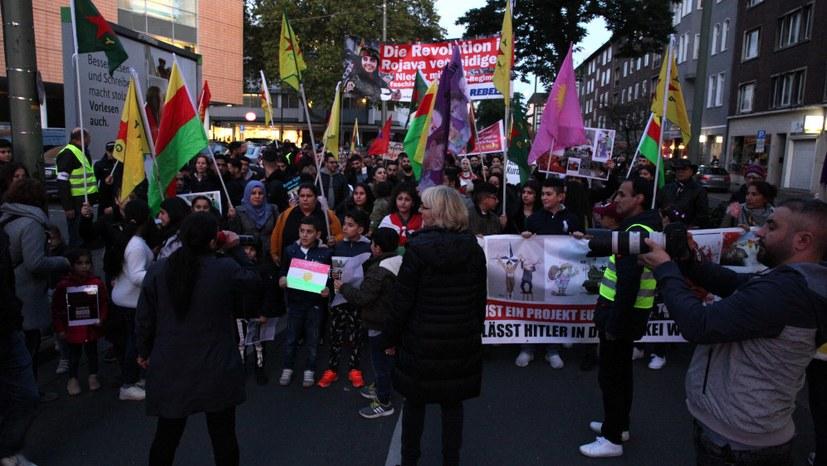 Machtvolle Demonstration der internationalen Solidarität gegen Invasion in Nordsyrien