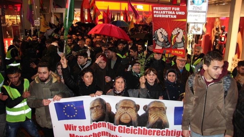 Rojava: Auf Montagsdemos heute erste Proteste gegen drohenden Einmarsch der Türkei