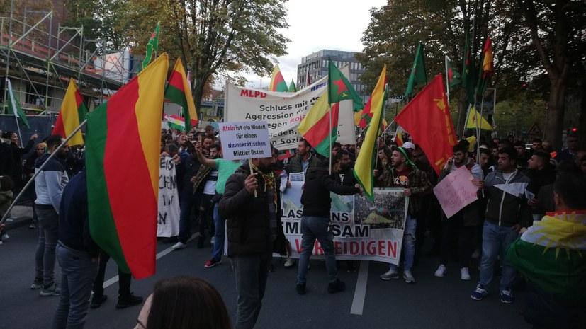 Über 2.000 beim Protest gegen den terroristischen Überfall auf Rojava