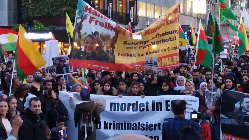 Zeigen der kurdischen Fahnen durchgesetzt