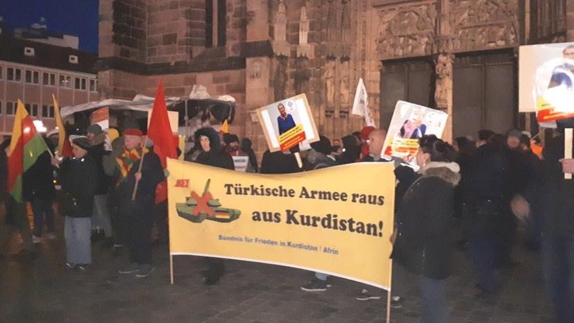 Montagsdemo Nürnberg vereinigt sich mit Protest gegen Erdogans Angriffskrieg