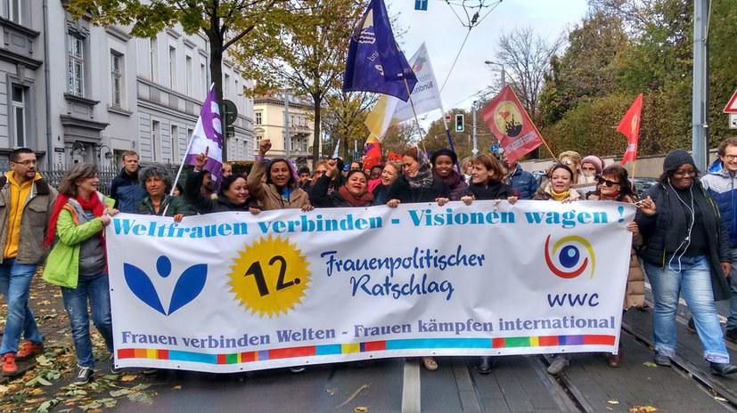 """""""Die größte und schönste Frauendemo, die Thüringens Landeshauptstadt in den letzten Jahren gesehen hat"""""""