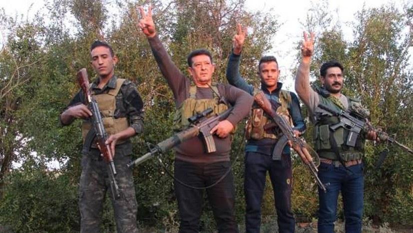 Arabische Kämpfer an der Front in Nordsyrien