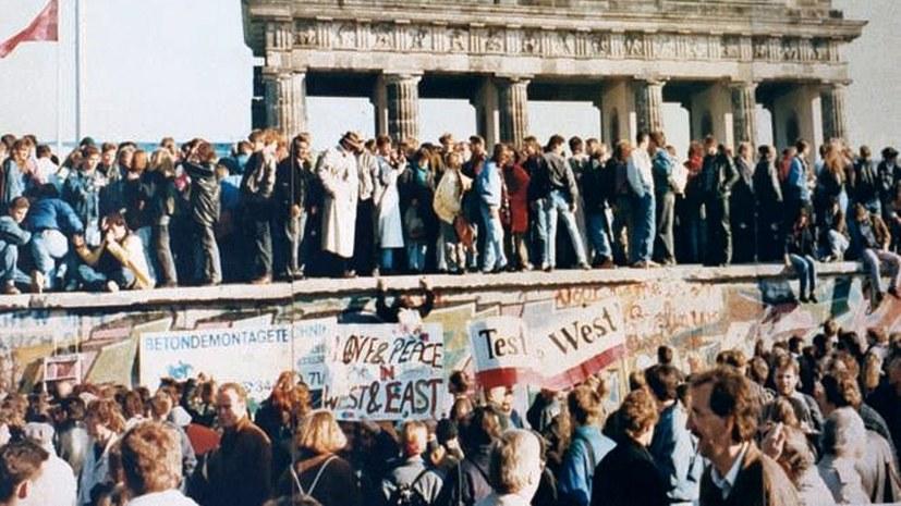 Die Massen können nicht nur Mauern überwinden ...