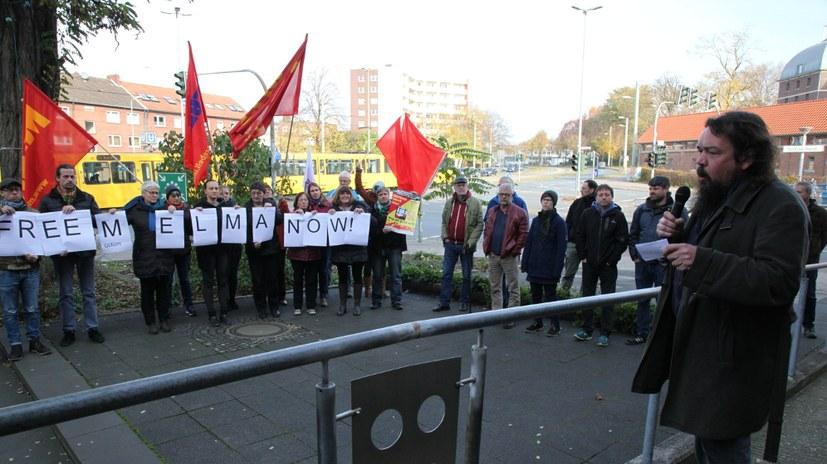 Solidaritätsaktion für Müslüm Elma vor der Horster Mitte