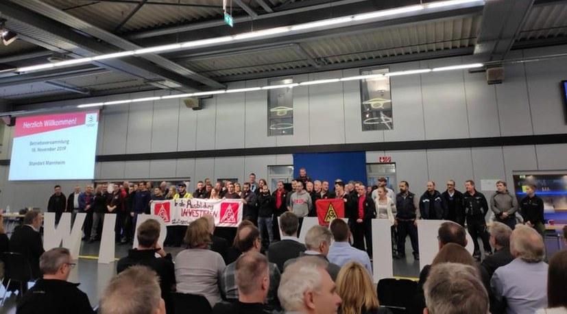 Gewerkschafter lehnen Lohnraub bei Daimler ab