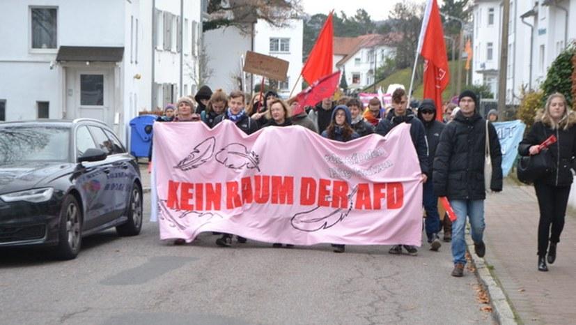 Größte Demo seit 1989 gegen offen faschistischen Flügel der AfD