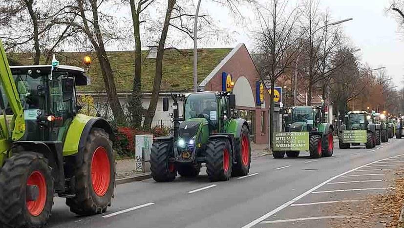 Massive Bauernproteste gegen Agrarpolitik der Regierung und EU