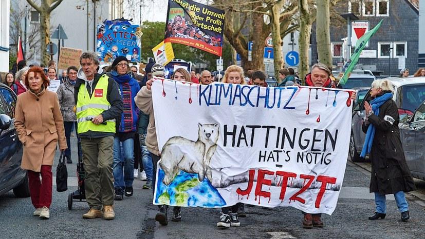 Selbstbewusste Initiativen auf der FFF-Demonstration