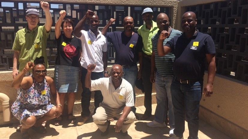 Südafrikanische Arbeiter und deutsche Brigadisten solidarisieren sich mit Honda-Arbeitern in Indien