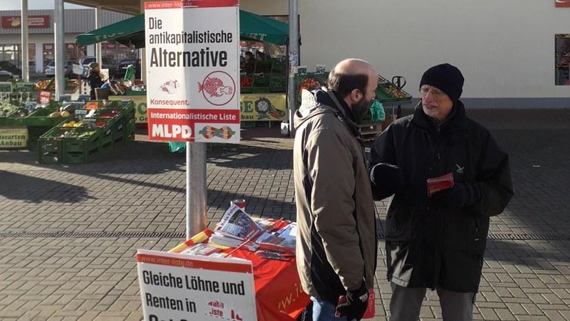 Auch nach der Landtagswahl aktiv – MLPD-Infostand in Erfurt