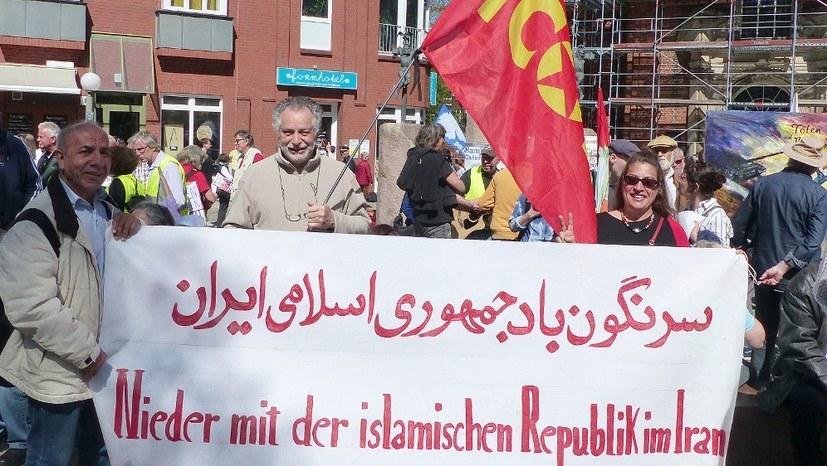 Massenproteste gegen Kriegstreiber