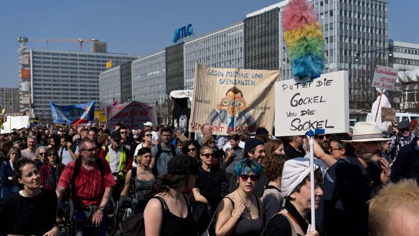 """""""Mietendeckel"""" beschlossen - Zugeständnis an Mieterproteste"""