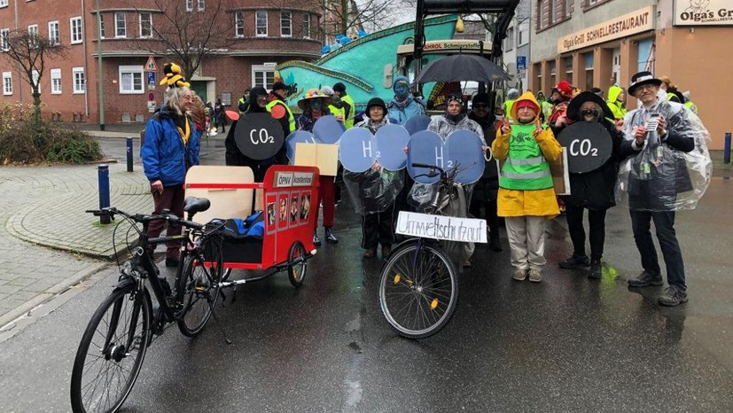 Karneval: Wenn Fackeln auf CO2-Moleküle treffen