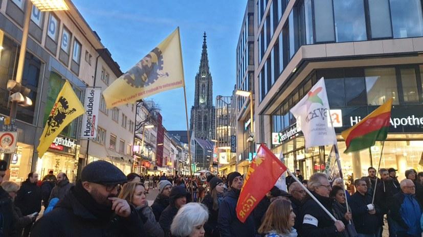 Weitere antifaschistische Proteste nach faschistischem Massaker