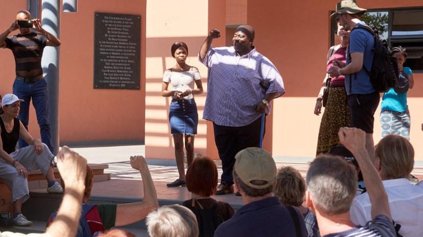 Gedenken in Sharpeville: Reisegruppe besucht Gedenkstätte des Massakers