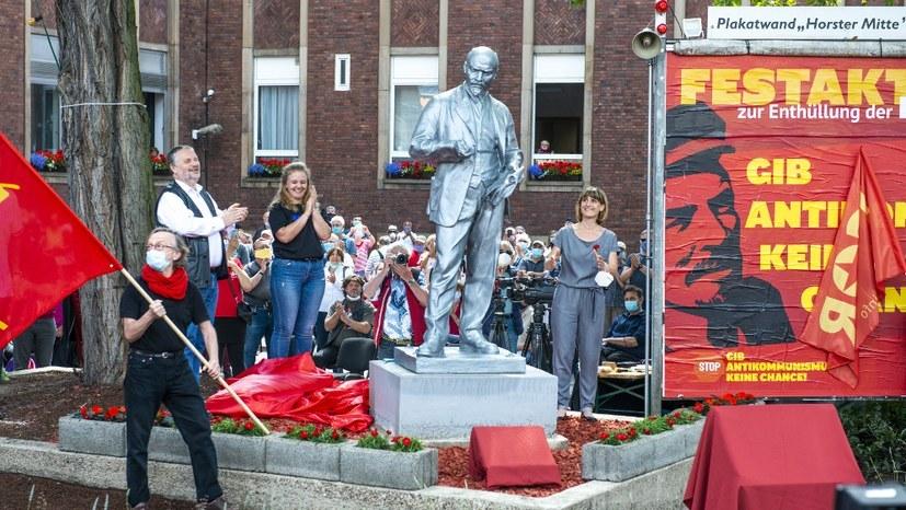 """Lenin lebt""! - Deutsche Presse Agentur (DPA) - Prädikat sehr lesenwert!"