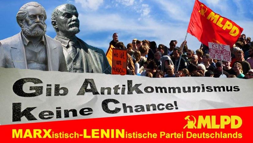 """Neues Transparent: """"Gib Antikommunismus keine Chance!"""""""