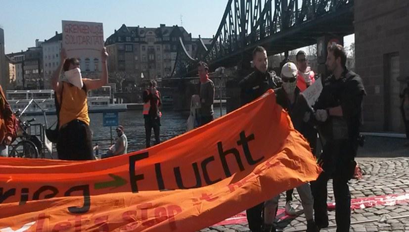 Protest gegen Verbot der Seebrücke-Aktion