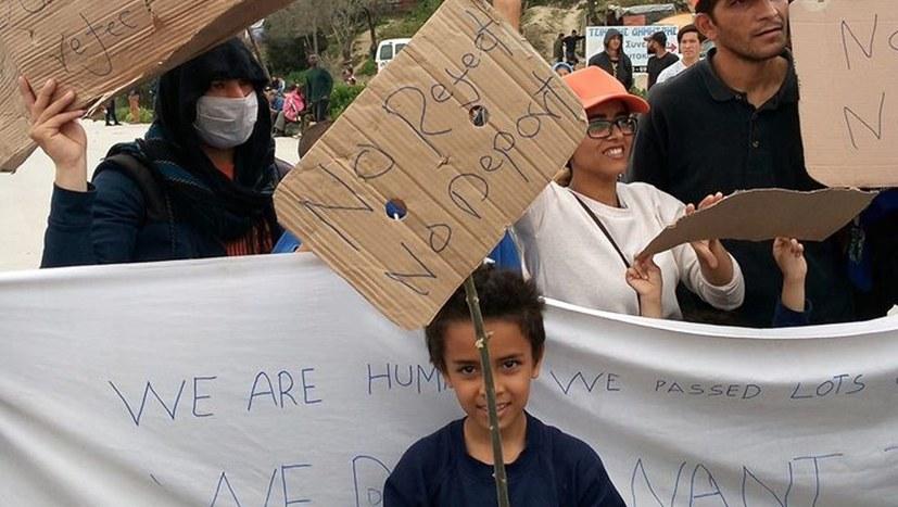 Flüchtlinge: Demonstration vor Camp Moria