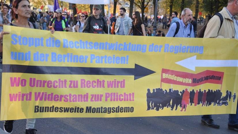 Gut 100 Menschen demonstrieren in der Wiege der Montagsdemo