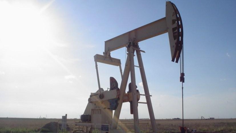 Warum der Ölpreis ins Bodenlose stürzt – und was das für Folgen hat