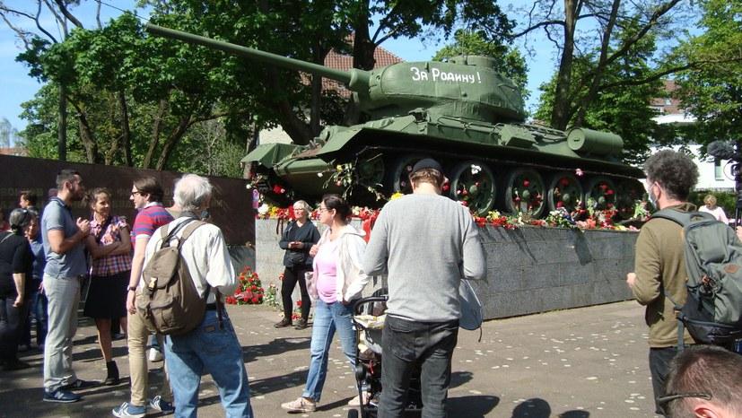 8. Mai - Würdiges Gedenken am Tag der Befreiung in Berlin-Lichtenberg