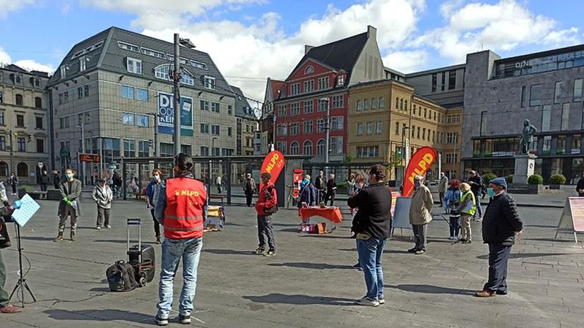 """""""Versammlungsraum"""" mitten auf dem Marktplatz abgesteckt"""