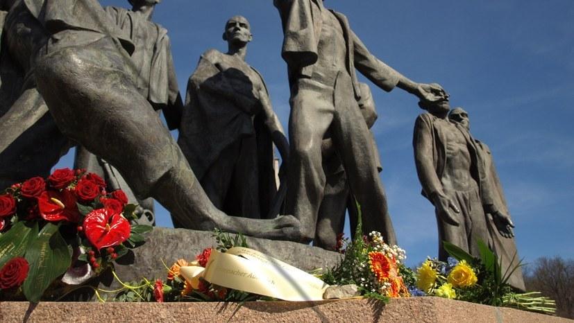 """""""Wir akzeptieren das antikommunistisch begründete Versammlungsverbot dieser Gedenkveranstaltung nicht"""""""