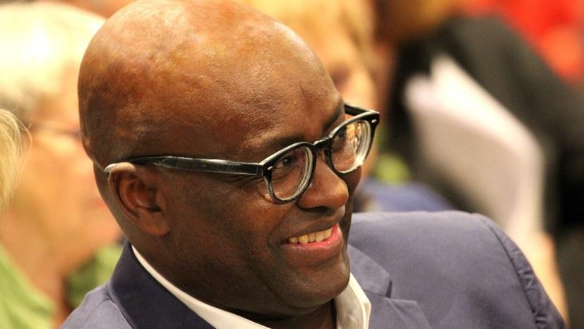 Reaktionäre Hetzkampagne gegen Achille Mbembe wird zum Rohrkrepierer