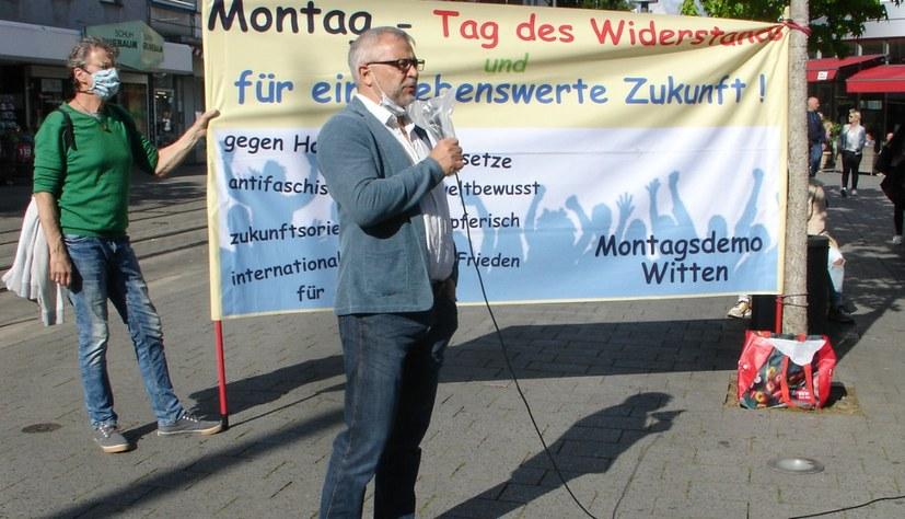 Montagsdemo solidarisch mit Stahlarbeitern von DEW