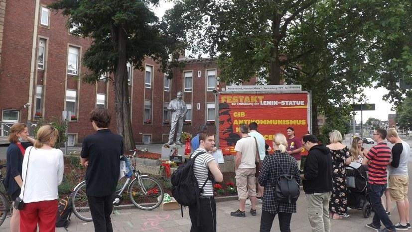 """""""Ich bin für die Lenin-Statue, weil ..."""""""