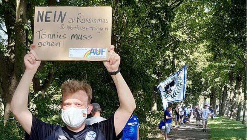 Schalker Fan-Initiative: Tönnies muss gehen!
