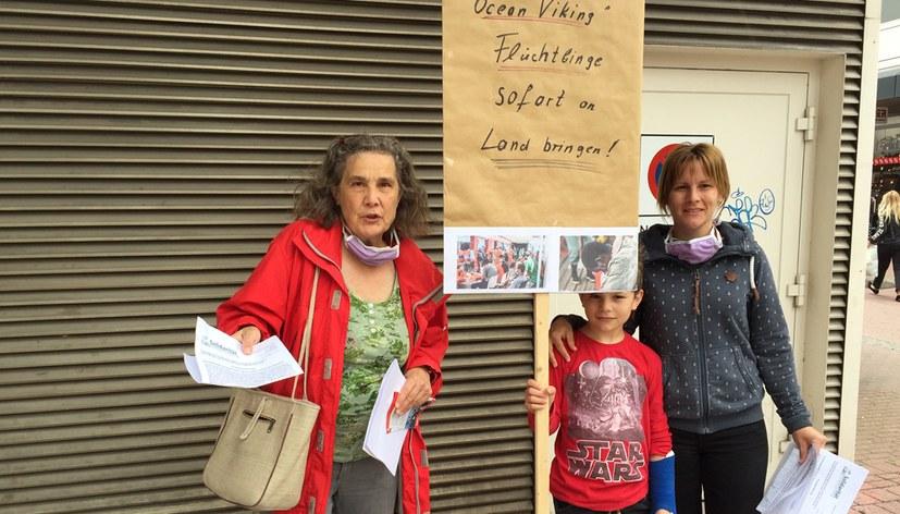 """Solidaritätsaktion für die Flüchtlinge auf der """"Ocean Viking"""""""