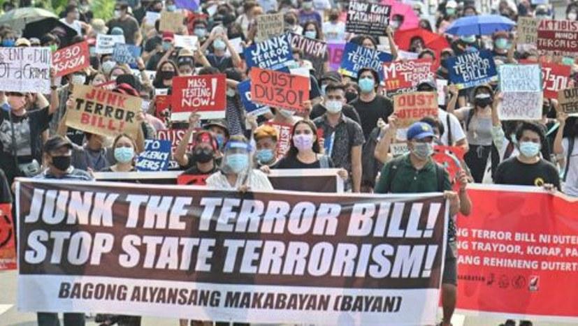 """""""Duterte besiegelt sein politisches Verhängnis mit der Unterzeichnung des Gesetzes über Staatsterrorismus"""""""