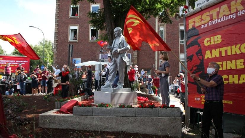 Lenin wurde mit einem eindrucksvollen Festakt empfangen