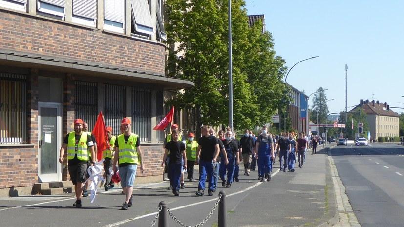 Tausende gegen Arbeitsplatzvernichtung