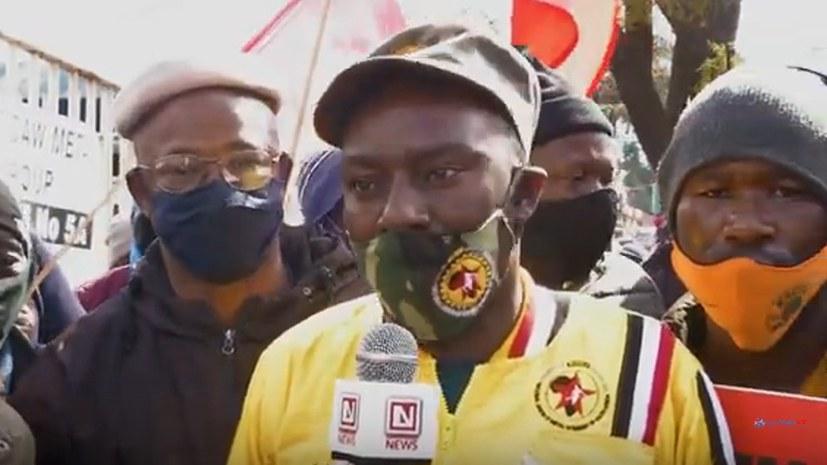 Streikende Arbeiter bei Scaw Metal