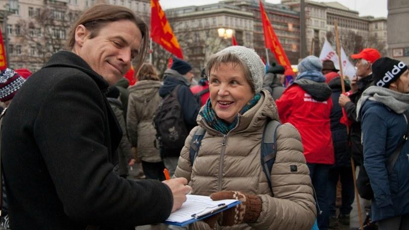 """Neuer Schwerpunkt zur Unterschriftensammlung und Link zu """"Gib Antikommunismus keine Chance!"""""""