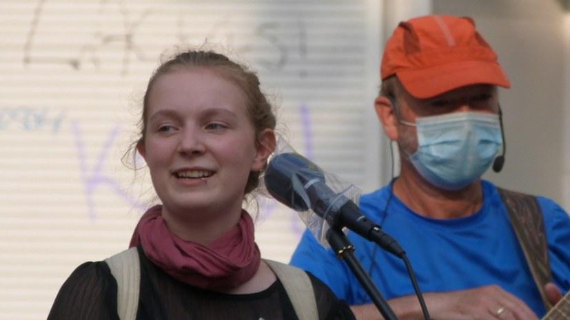 Tolle Stimmung beim Fest zu 16 Jahre Montagsdemo in Gelsenkirchen