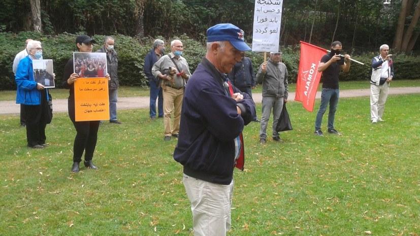 Solidaritätsaktion mit den streikenden Zuckerarbeitern von Hafttapeh im Iran