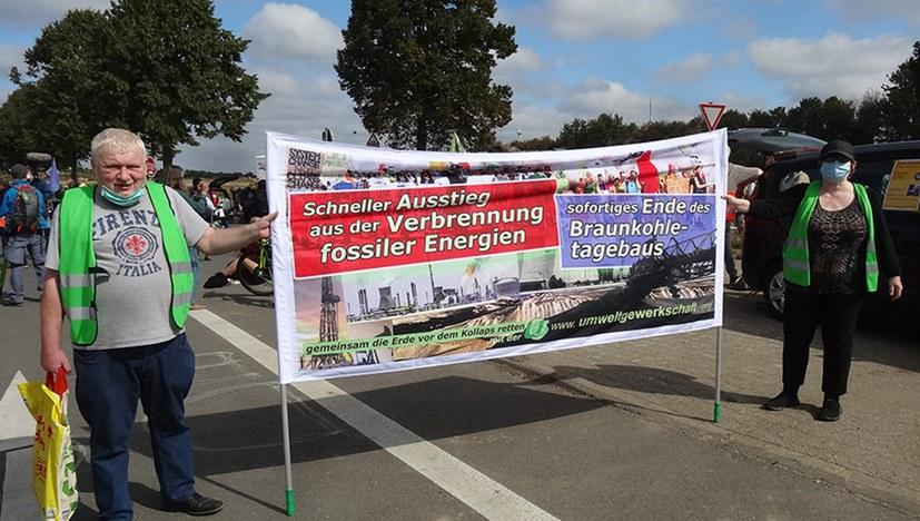 """""""Alle Dörfer bleiben"""" - Demonstration gegen RWE"""