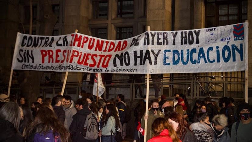 Kämpfe der Arbeiter und Studenten gegen Abwälzung der Krisenlasten