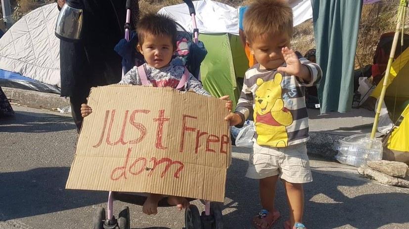1000 Menschen für die Freiheit der Flüchtlinge in Moria