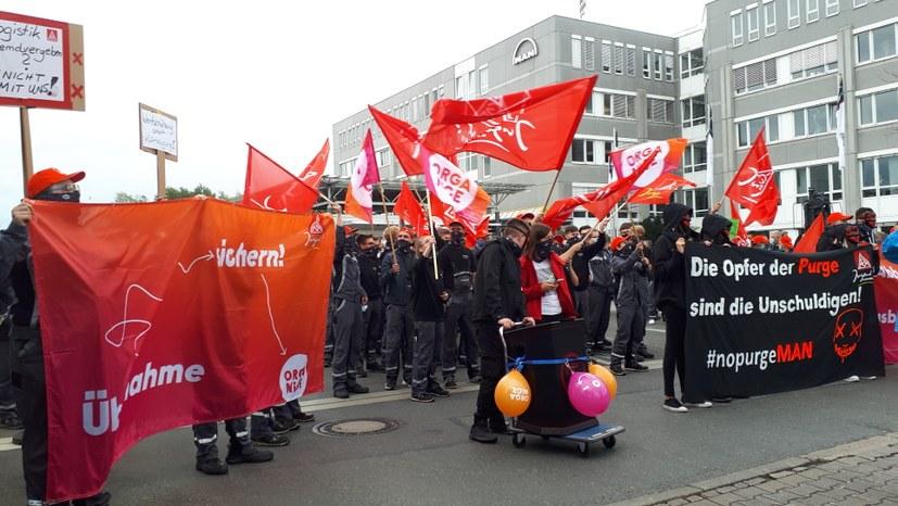 Über 2000 Kollegen bei kämpferischer Protestaktion auf der Straße
