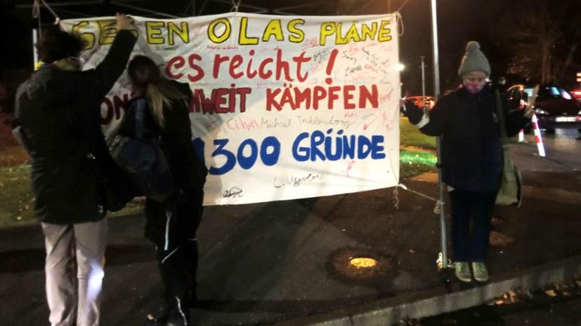 Zwei Kundgebungen vor Düsseldorfer Sprinter-Werk