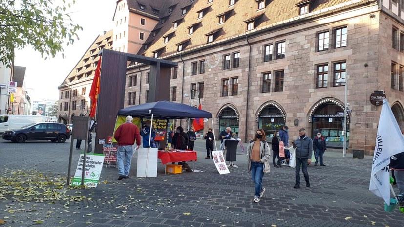 Viel Aufmerksamkeit für Aktionsstand in Nürnberg