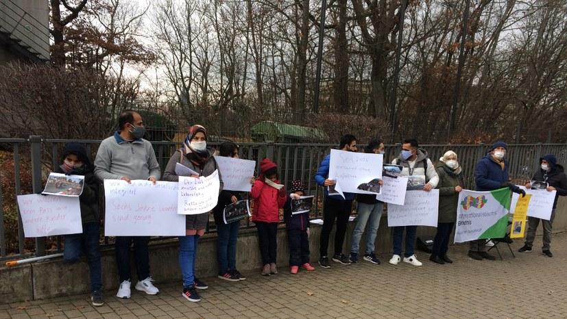 Geflüchtete aus dem Irak demonstrieren für die Anerkennung ihrer Asylanträge