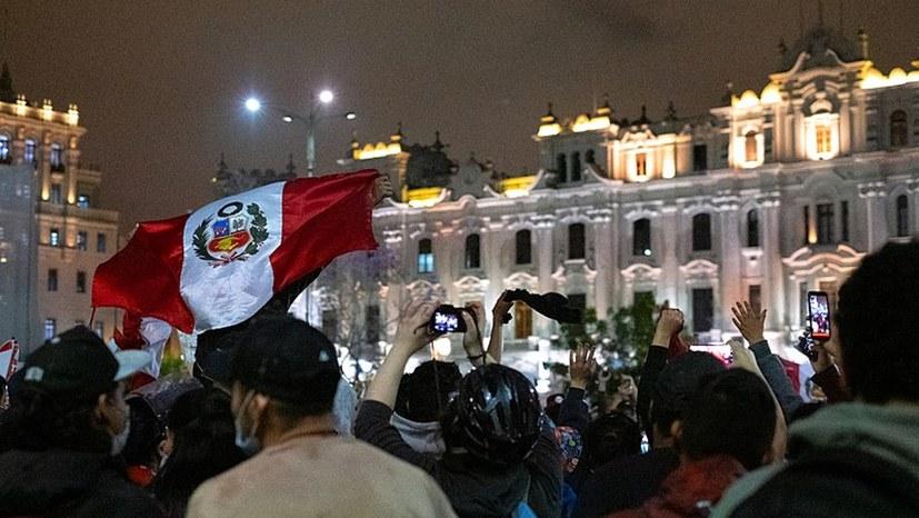 Das Volk von Peru hat gesprochen! Rücktritt von Präsident Merino nach nur fünf Tagen!