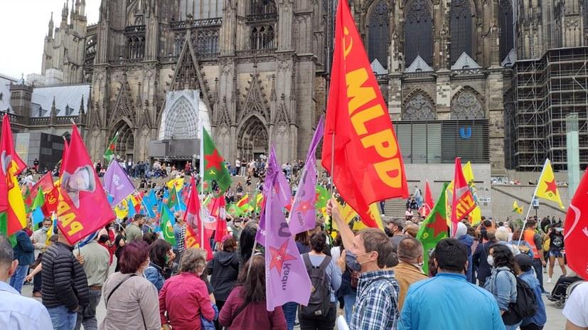 """""""Erfolg gegen antikommunistisch motiviertes Fahnenverbot"""""""